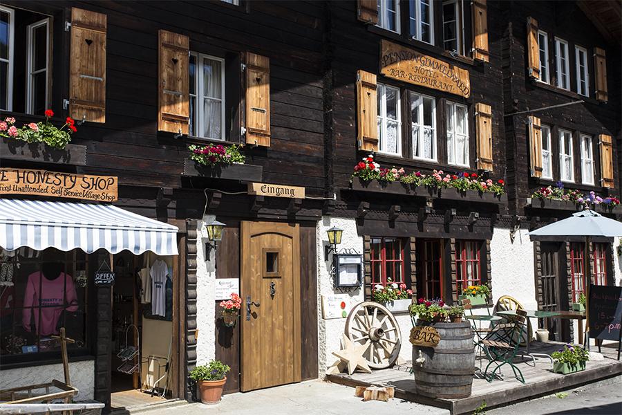 Hotel_Pensiongimmelwald_FrontSO_Copyright_Heidi_Broennimann
