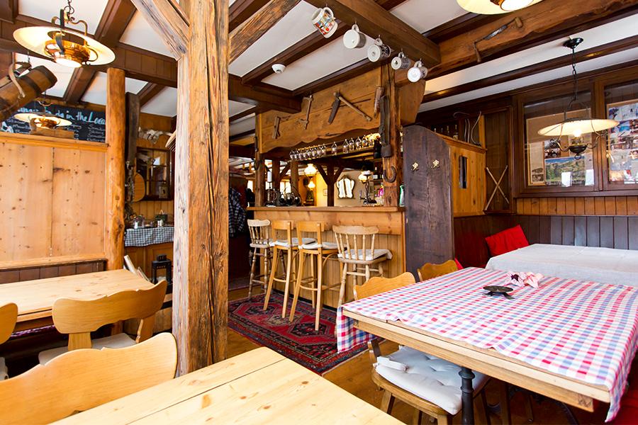 Restaurant_Pension_Gimmelwald_2_Copyright_Heidi_Broennimann
